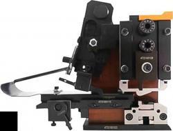 4TS precision horizontal mold